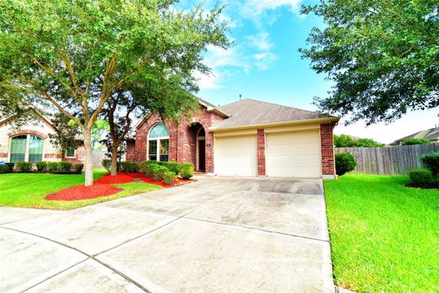 2801 Enchanted Lake Drive, Pearland, TX 77584 (MLS #25615862) :: The Parodi Team at Realty Associates