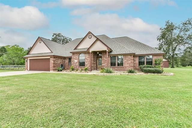 526 Wagon Wheel Trail, Angleton, TX 77515 (MLS #25745836) :: My BCS Home Real Estate Group