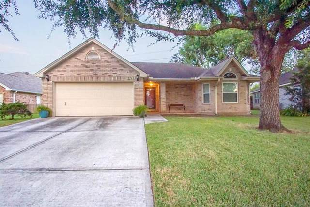 2746 S Peach Hollow Circle, Pearland, TX 77584 (MLS #25767280) :: JL Realty Team at Coldwell Banker, United
