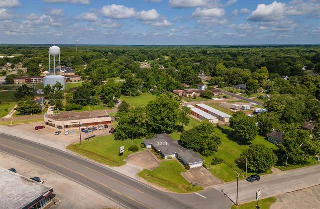 1211 N Main Street, Liberty, TX 77575 (MLS #25846475) :: TEXdot Realtors, Inc.