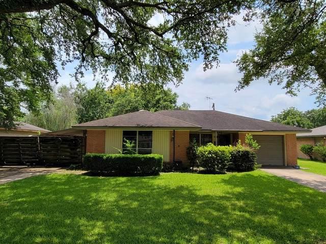 1801 Sheridan Drive, Baytown, TX 77520 (#25918052) :: ORO Realty