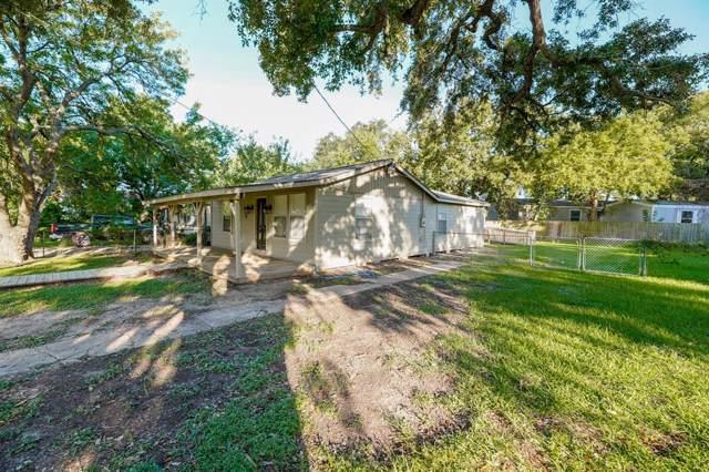 220 Hinken Street, Clute, TX 77531 (MLS #25987749) :: The SOLD by George Team
