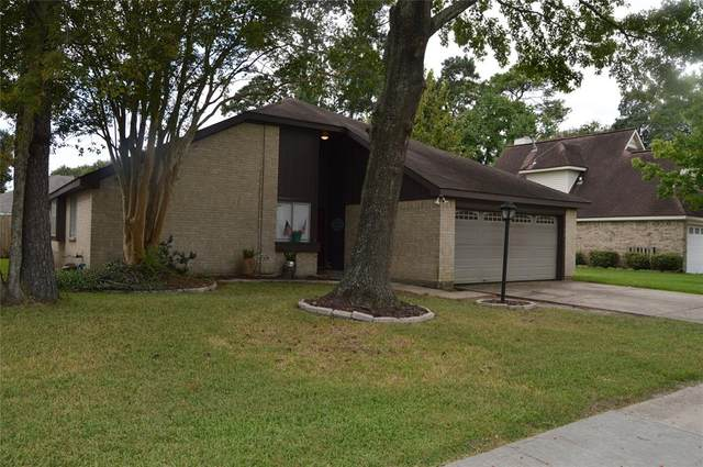819 Cambridge Drive, Highlands, TX 77562 (MLS #26236876) :: The Freund Group
