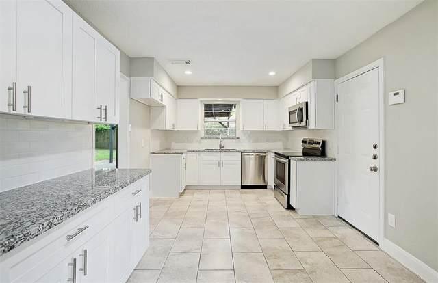16906 Worden Lane, Friendswood, TX 77546 (MLS #26248581) :: Ellison Real Estate Team