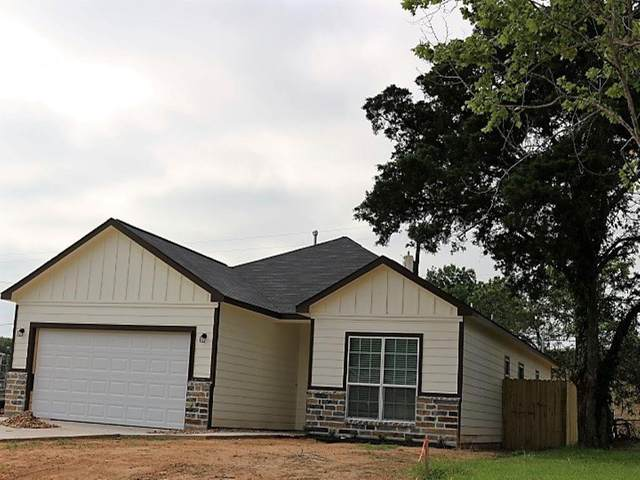 134 Jane Drive, Columbus, TX 78934 (MLS #26367563) :: Connell Team with Better Homes and Gardens, Gary Greene