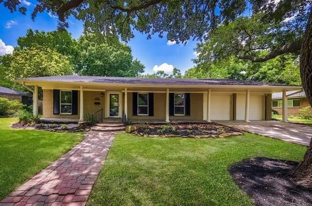9910 Cliffwood Drive, Houston, TX 77096 (MLS #26393306) :: Christy Buck Team