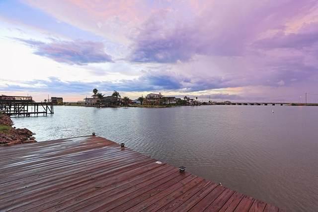 48 Lakeside Drive, Hitchcock, TX 77563 (MLS #26394898) :: Caskey Realty
