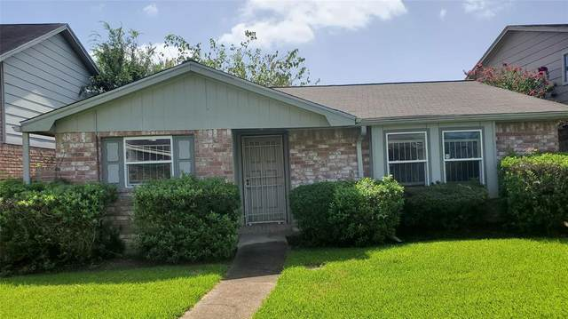 13070 Clarewood Drive, Houston, TX 77072 (MLS #26456234) :: Christy Buck Team