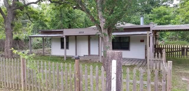 10719 Pine Street, Willis, TX 77318 (MLS #26515810) :: The Jill Smith Team