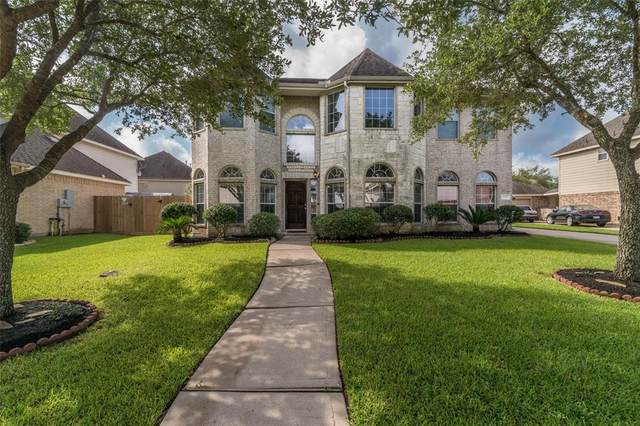 153 Cypress Pointe Drive, League City, TX 77573 (MLS #2654159) :: The SOLD by George Team