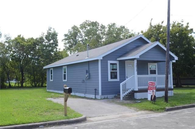 1213 Bookertee Street N, Baytown, TX 77520 (MLS #26638273) :: Caskey Realty