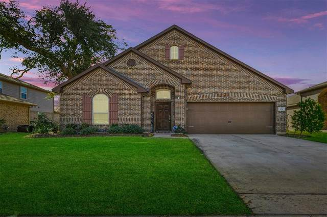 201 Meadow Ridge Way, Clute, TX 77531 (MLS #26706250) :: Guevara Backman