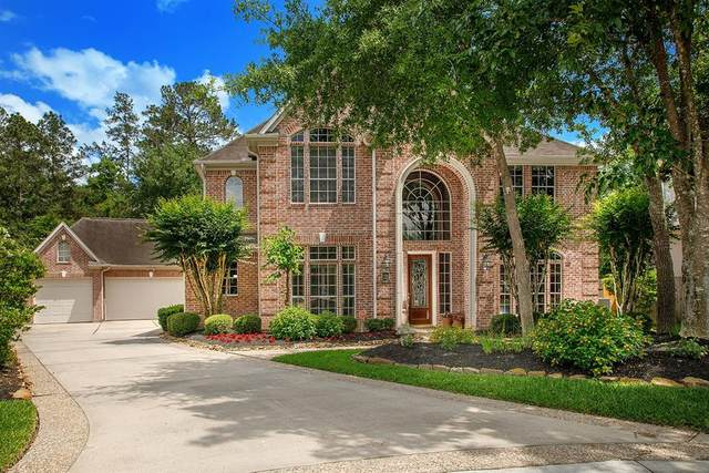 2 Rosedown Place, The Woodlands, TX 77382 (MLS #26726134) :: The Parodi Team at Realty Associates