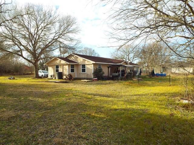 1135 E 2nd Street, Hempstead, TX 77445 (MLS #26754916) :: Michele Harmon Team