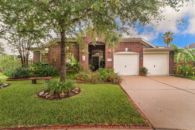 2102 Forest Glen Lane, Kemah, TX 77565 (MLS #26974899) :: The SOLD by George Team