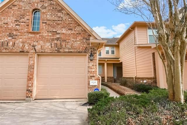 1722 Pepper Hill Lane, Sugar Land, TX 77479 (MLS #27132990) :: Homemax Properties