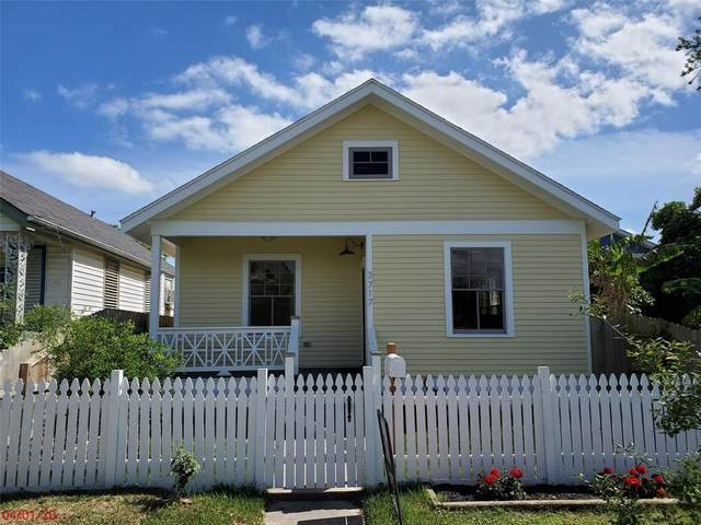 3717 Avenue M 1/2, Galveston, TX 77550 (MLS #27139332) :: The Sansone Group