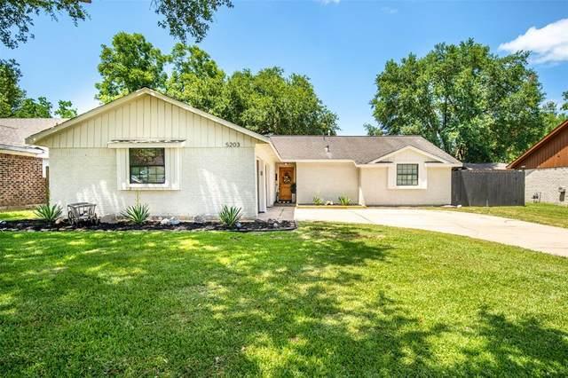 5203 Camden Lane, Pearland, TX 77584 (MLS #27203428) :: Bay Area Elite Properties