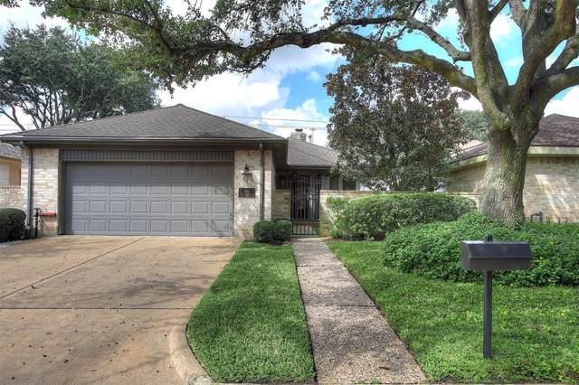 1519 Country Club Boulevard, Sugar Land, TX 77478 (MLS #2724441) :: The Home Branch