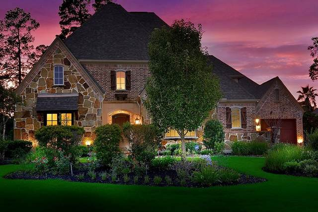 34 N Player Manor Circle, The Woodlands, TX 77382 (MLS #27330202) :: Caskey Realty