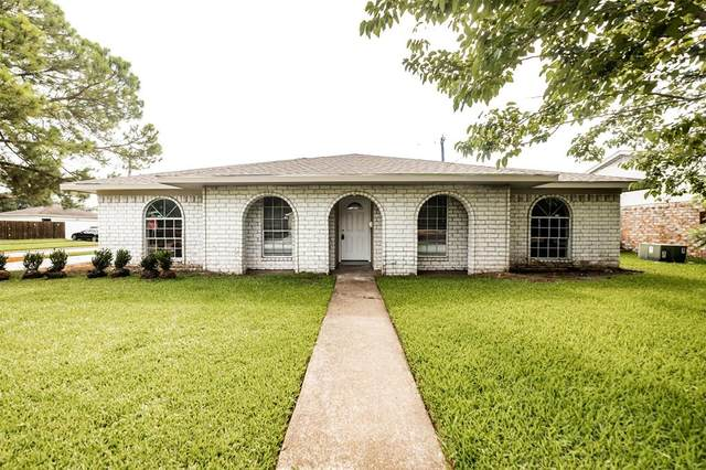 12022 Kirkholm Drive, Houston, TX 77089 (MLS #27445611) :: Connect Realty