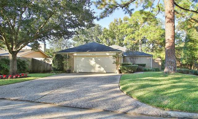 15742 Steamboat Lane, Houston, TX 77079 (MLS #27448030) :: Michele Harmon Team