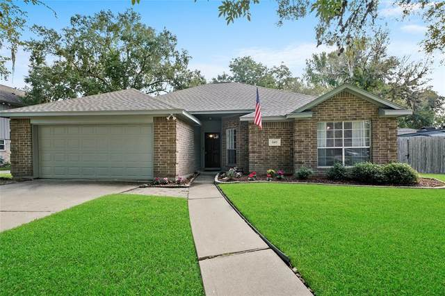 5307 Kingsmill Road, Friendswood, TX 77546 (MLS #27470247) :: The Queen Team