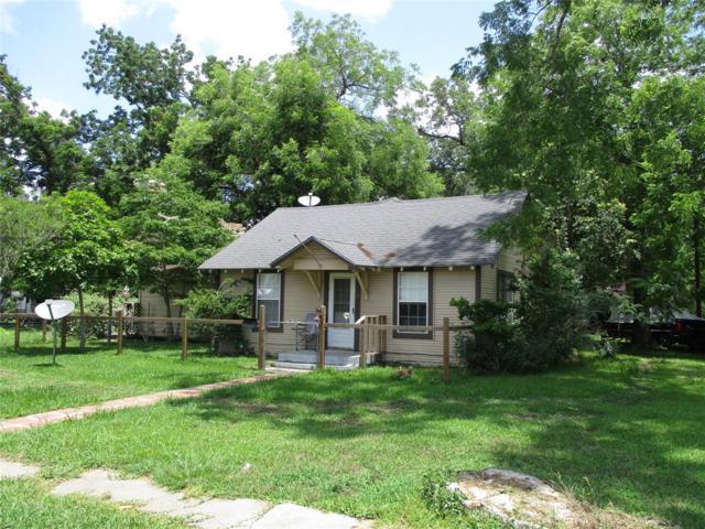 102 N Elm Street W, Sweeny, TX 77480 (MLS #27591643) :: The Heyl Group at Keller Williams