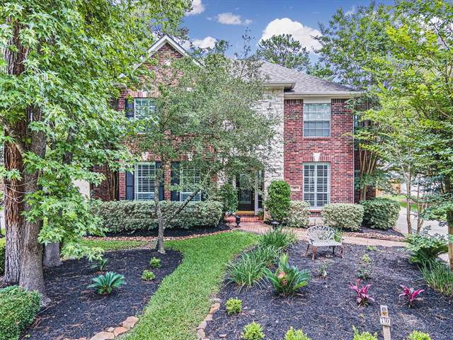 70 S Dove Trace Circle, The Woodlands, TX 77382 (#27681092) :: ORO Realty