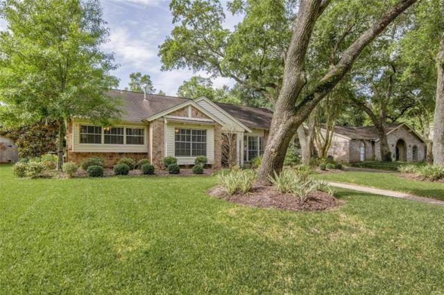 4018 Laurel Grove Drive, Seabrook, TX 77586 (MLS #27736511) :: Ellison Real Estate Team