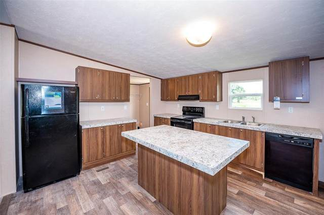 301 2nd Street, Markham, TX 77954 (MLS #27755287) :: Texas Home Shop Realty