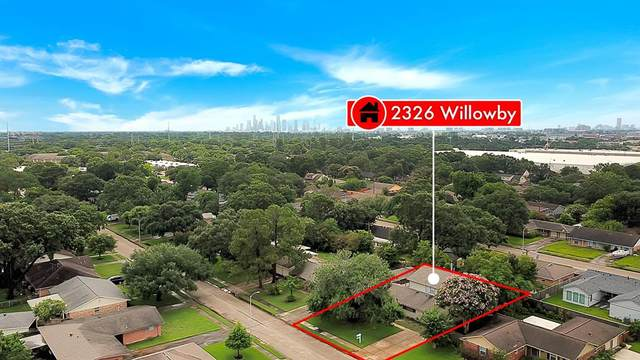 2326 Willowby Drive, Houston, TX 77008 (MLS #27775466) :: Caskey Realty