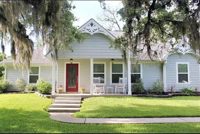 755 Rancho Chico Court, Angleton, TX 77515 (MLS #27793808) :: Christy Buck Team