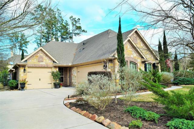 2 Mountain Bluebird Lane, The Woodlands, TX 77389 (MLS #27851260) :: Team Parodi at Realty Associates