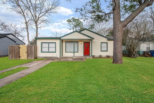 1316 N Rockisland Street, Angleton, TX 77515 (MLS #27881771) :: Lisa Marie Group | RE/MAX Grand