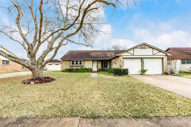 436 Broadmoor Street, Friendswood, TX 77546 (MLS #27944194) :: Guevara Backman