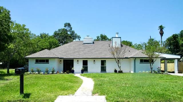 810 Quaker Drive, Friendswood, TX 77546 (MLS #28069834) :: Rachel Lee Realtor