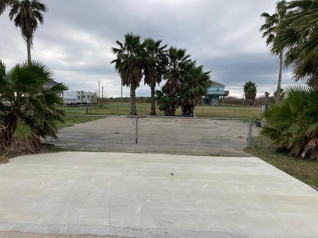 879 Jacks Road, Crystal Beach, TX 77650 (MLS #28128538) :: The Queen Team