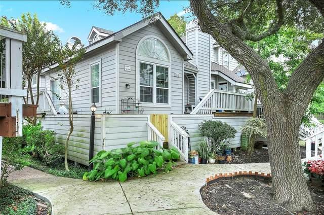 111 Dunbar Estates Drive #702, Friendswood, TX 77546 (MLS #28140299) :: All Cities USA Realty