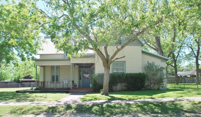 304 S Pecan, Moulton, TX 77975 (MLS #28424612) :: The Home Branch