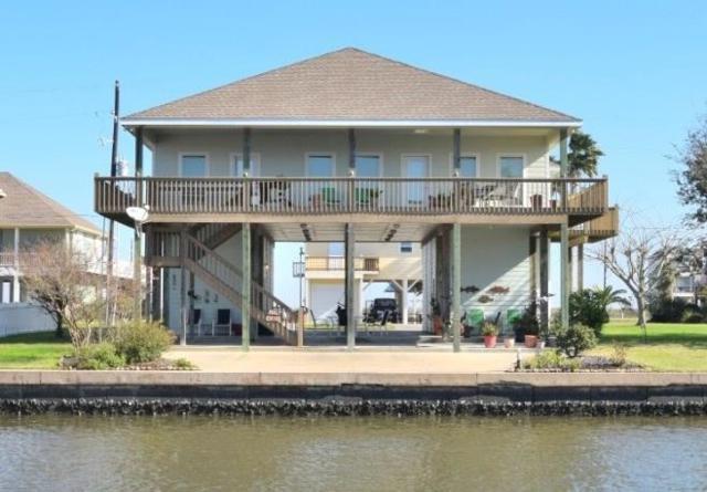 1151 Fountain View Drive, Crystal Beach, TX 77650 (MLS #28446152) :: Texas Home Shop Realty