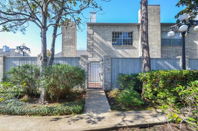 192 Wilcrest Drive #192, Houston, TX 77042 (MLS #28462794) :: Giorgi Real Estate Group