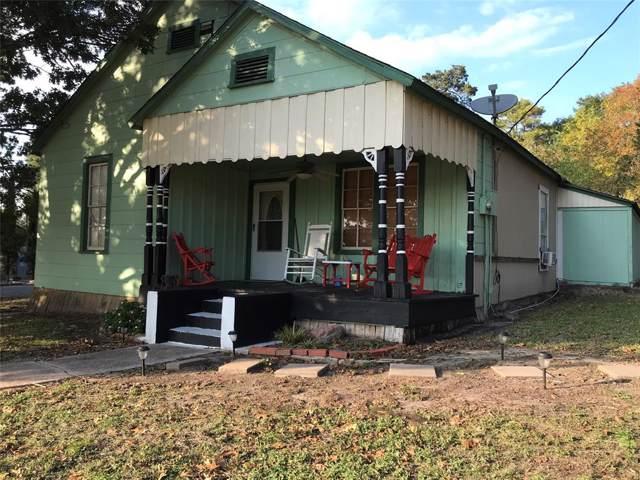 922 E 2ND, Bellville, TX 77418 (MLS #28520384) :: Texas Home Shop Realty