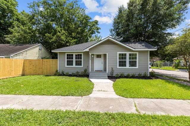 223 W Adoue Street W, Baytown, TX 77520 (MLS #2856903) :: The Sansone Group