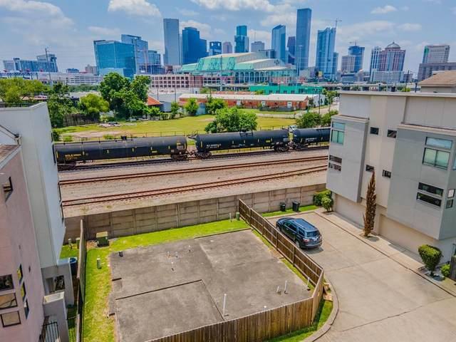 2308 Sperber Lane, Houston, TX 77003 (MLS #28590723) :: The Freund Group
