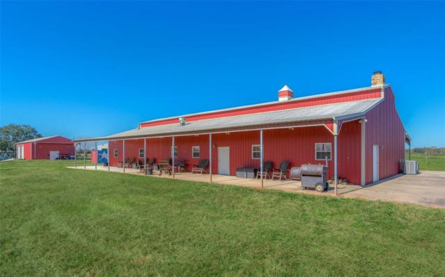 5827 County Road 18, Damon, TX 77430 (MLS #28611935) :: The Bly Team
