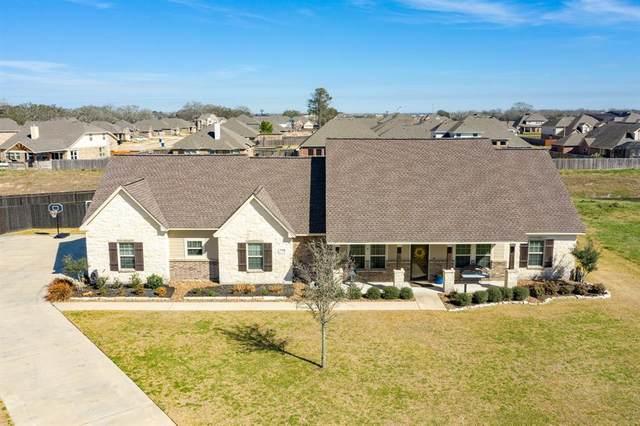 1200 Shady Oak Drive, Angleton, TX 77515 (MLS #28643126) :: Bray Real Estate Group
