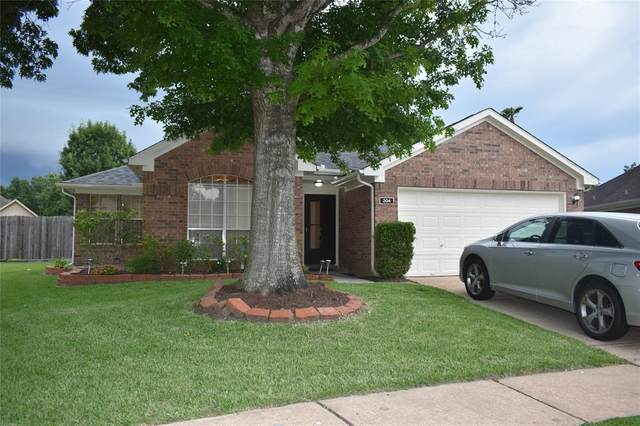 204 Hollander Court, League City, TX 77573 (MLS #28676744) :: The Bly Team
