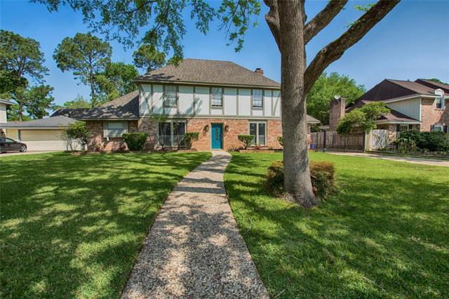 4215 Crownwood Drive, Seabrook, TX 77586 (MLS #28703386) :: Texas Home Shop Realty