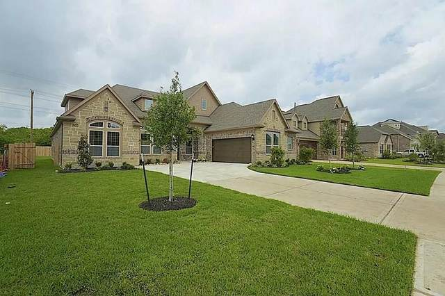 1030 Bolivar Point Lane, Friendswood, TX 77546 (MLS #28709490) :: Giorgi Real Estate Group